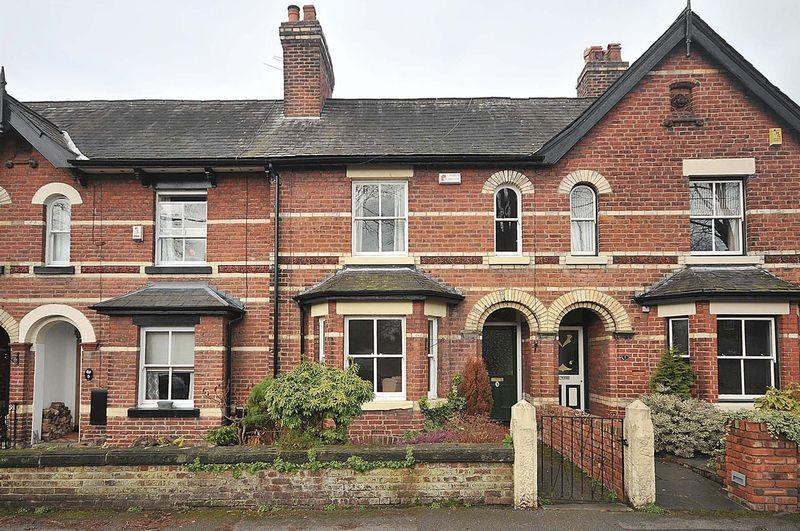 3 Bedrooms Terraced House for sale in St Johns Avenue, Knutsford