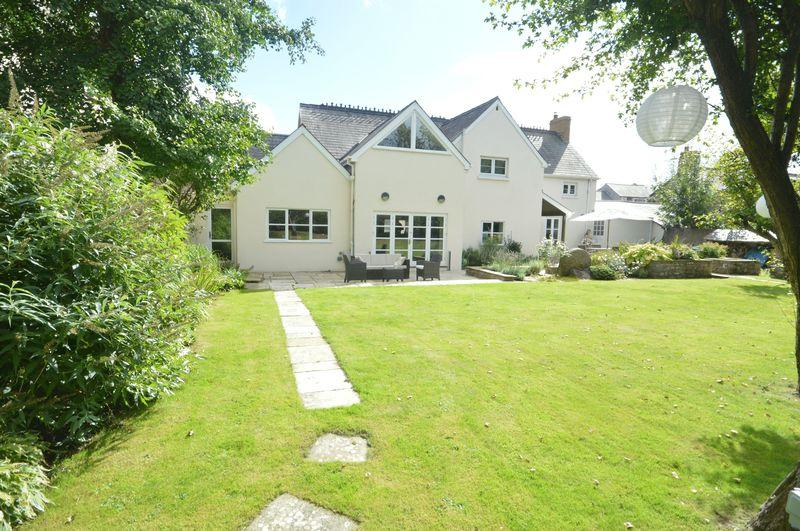 4 Bedrooms Detached House for sale in Mill Farm House, Abbey Road, Vale of Glamorgan, CF35 5BN