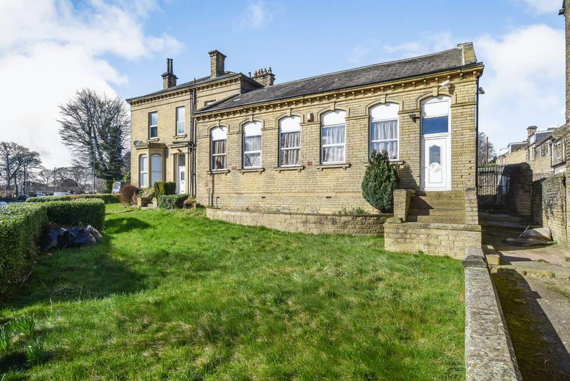8 Bedrooms Stone House Character Property for sale in Toller Lane, Bradford