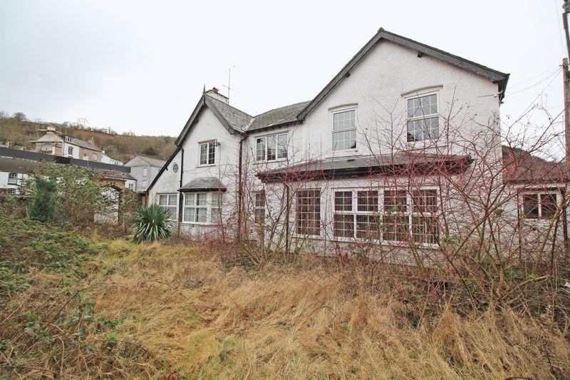 Unique Property for sale in Berwyn Street, Llangollen