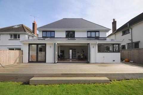 4 bedroom property for sale - Sandbanks Road, Poole