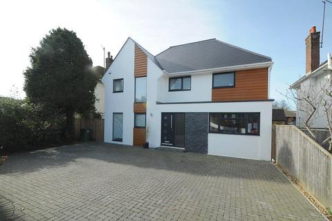 4 bedroom property for sale - Sandbanks Road, Poole