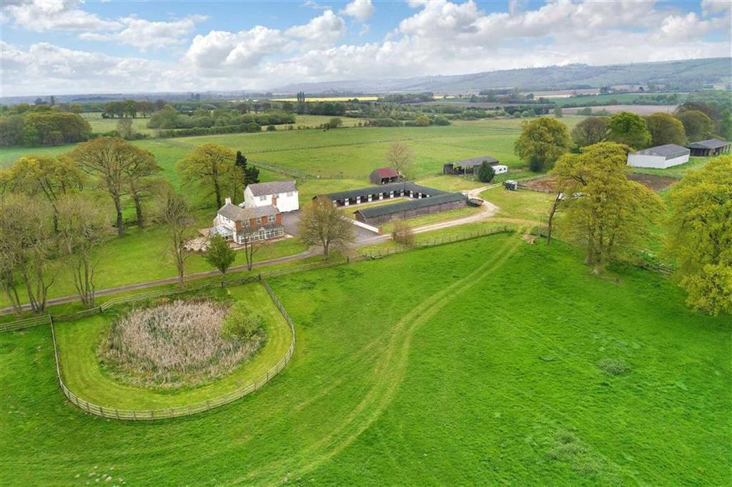 3 Bedrooms Equestrian Facility Character Property for sale in Owersby Moor, Market Rasen, Lincolnshire