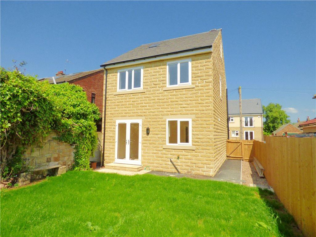 4 Bedrooms Detached House for sale in Langlands Road, Cottingley, Bingley, West Yorkshire