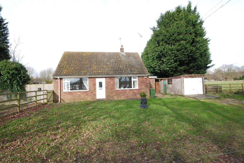 3 Bedrooms Detached Bungalow for sale in New Lane, Girton, Newark