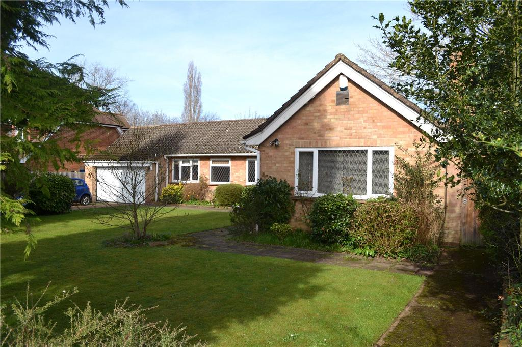 5 Bedrooms Detached Bungalow for sale in New Road, Twyford, Berkshire, RG10