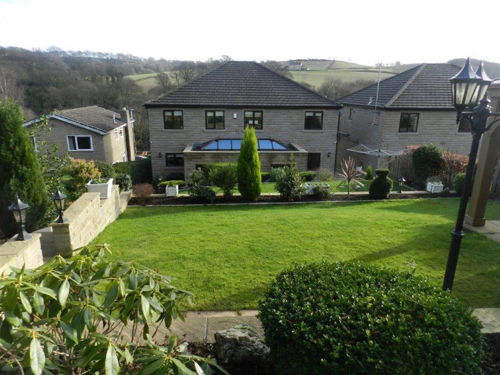 5 Bedrooms Detached House for sale in Wakefield Road, Denby Dale, Huddersfield, HD8