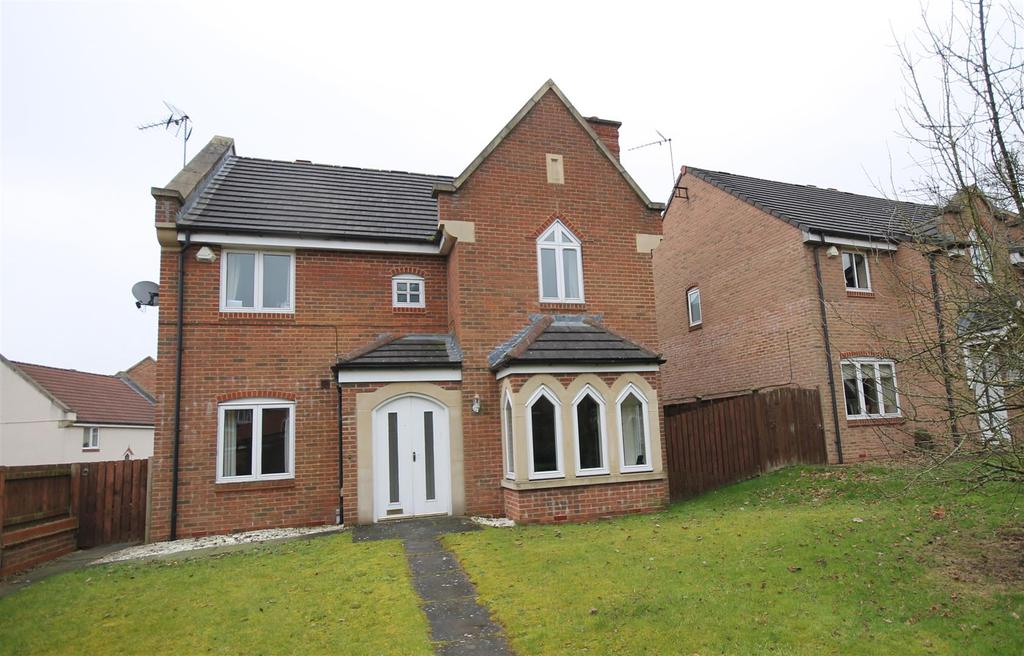 4 Bedrooms Detached House for sale in Turnpike Walk, Sedgefield, Stockton-On-Tees