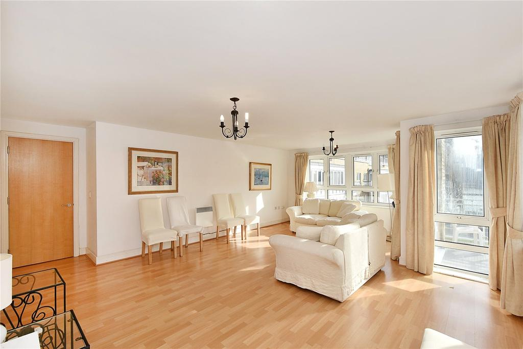 2 Bedrooms Flat for sale in St David's Square, London