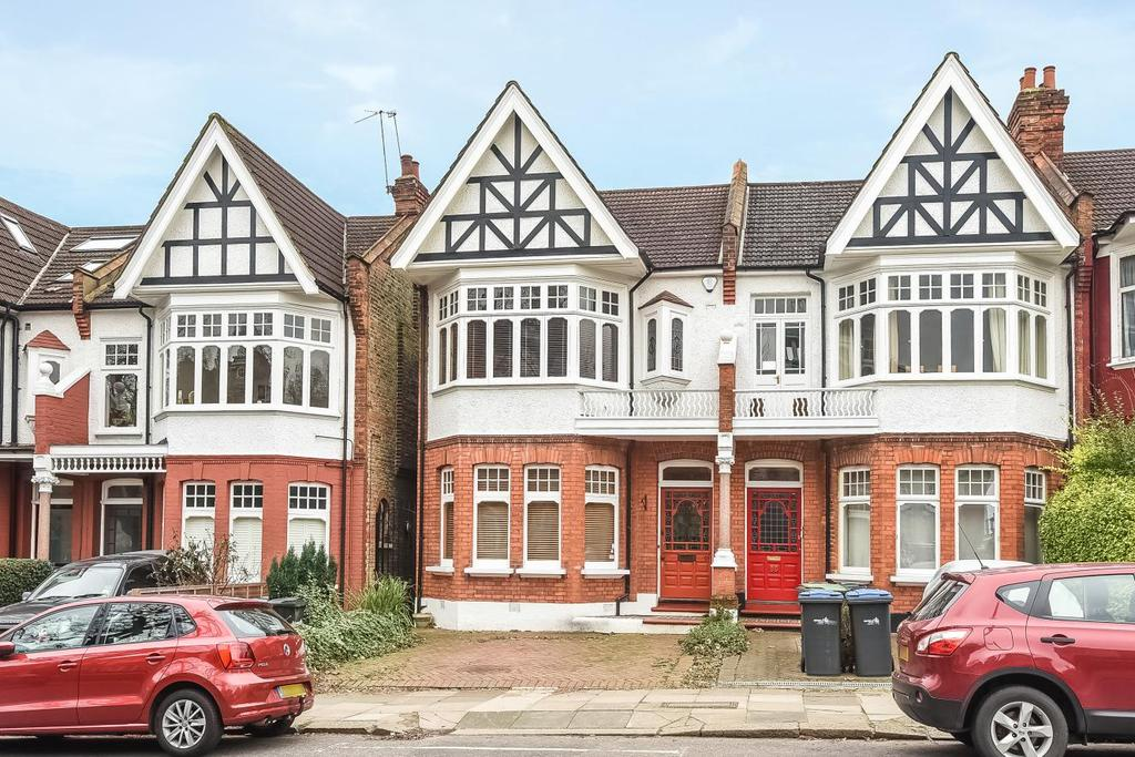 4 Bedrooms Terraced House for sale in Fox Lane, Palmers green, N13