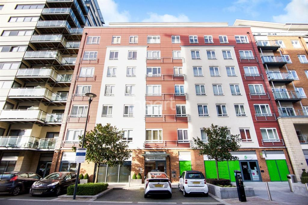 3 Bedrooms Flat for sale in Avro House, Boulevard drive, London NW9
