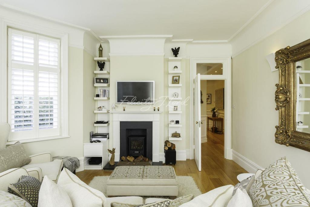 2 Bedrooms Flat for sale in Rusthall Mansions, Chiswick W4