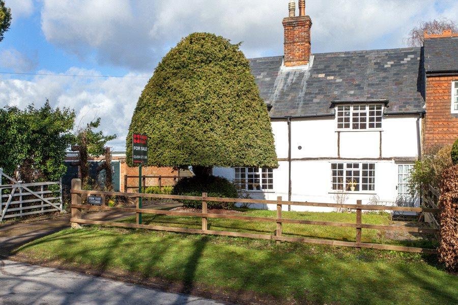 3 Bedrooms Semi Detached House for sale in Church End, Bledlow, Princes Risborough, Buckinghamshire, HP27