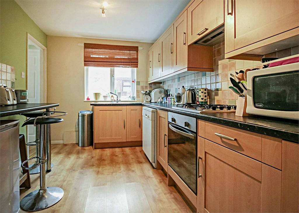 3 Bedrooms Terraced House for sale in Cottesmore, Bracknell, Berkshire
