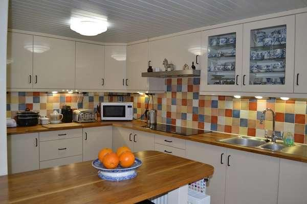 3 Bedrooms Cottage House for sale in Croftbank, Lochranza, Isle of Arran, KA27 8HL