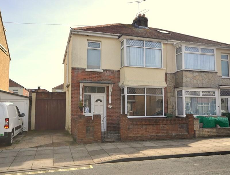3 Bedrooms Semi Detached House for sale in Martin Road, Baffins, Portsmouth
