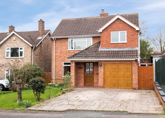 4 Bedrooms Detached House for sale in Ley Hill Road,Four Oaks,Sutton Coldfield