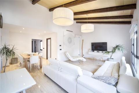 3 bedroom penthouse  - Modern Penthouse Apartment, Palma de Mallorca