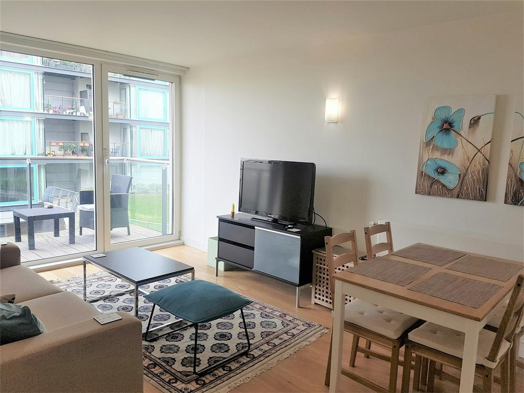 2 Bedrooms Flat for sale in Navigation Building, Station Approach, Hayes, Greater London