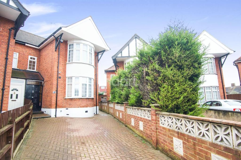 3 Bedrooms Semi Detached House for sale in Beaulieu Close, London NW9