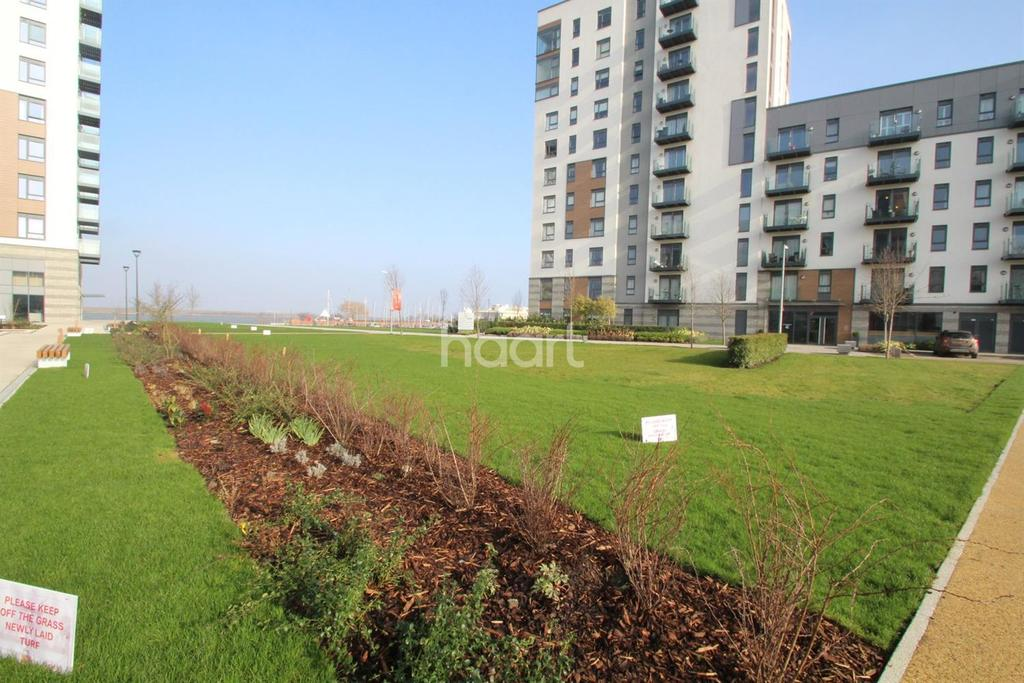 2 Bedrooms Flat for sale in Victory Pier, Peninsula Quay