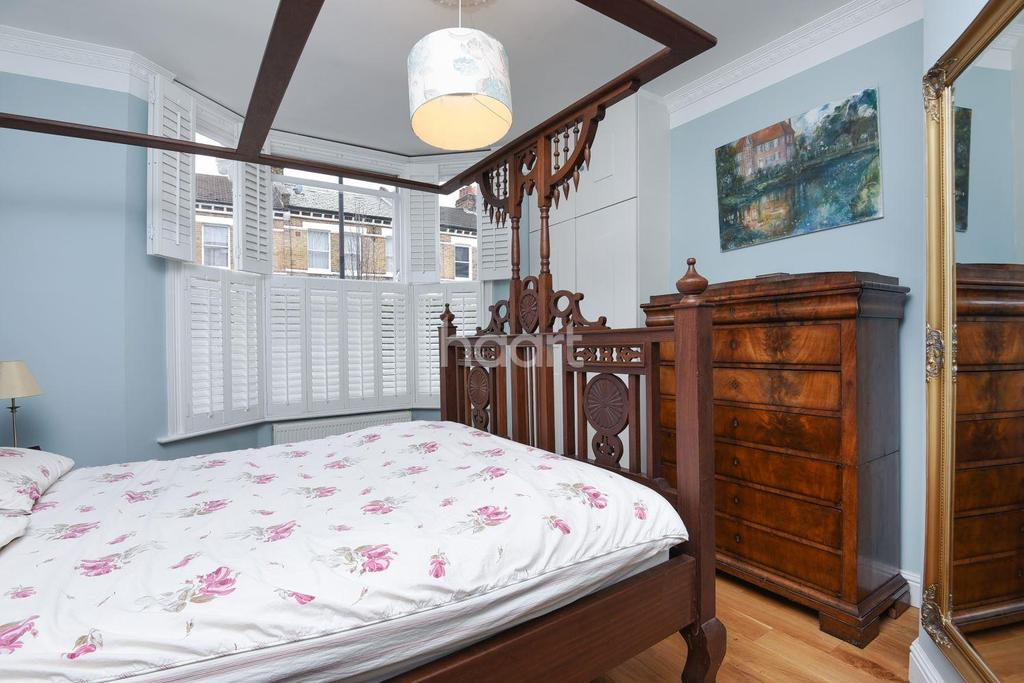3 Bedrooms Flat for sale in Solon Road, Brixton, SW2
