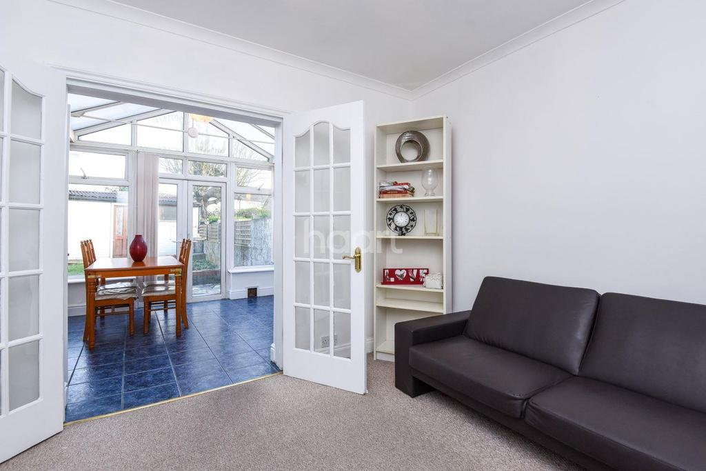 3 Bedrooms Semi Detached House for sale in Thornton Road, Thornton Heath, CR7