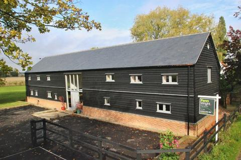 3 bedroom property for sale - Little Tey Road, Feering