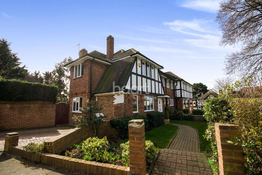 4 Bedrooms Semi Detached House for sale in Midholm, Wembley Park