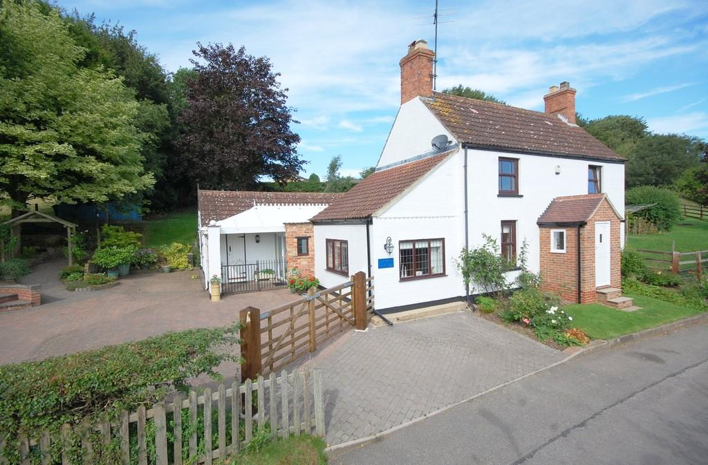 4 Bedrooms Cottage House for sale in Swaby, Lincolnshire Wolds