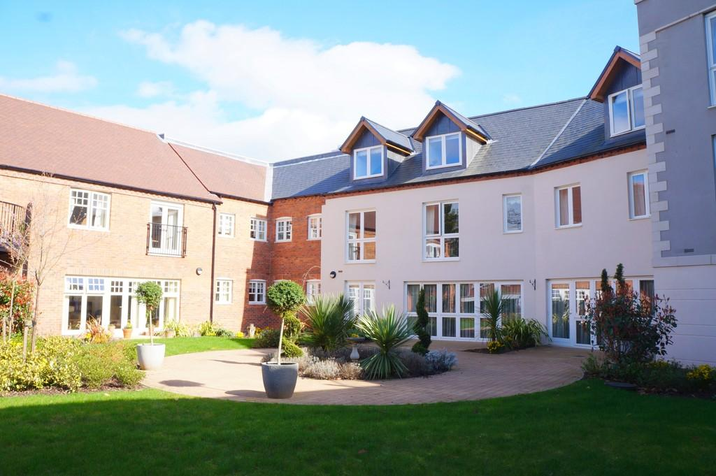 2 Bedrooms Apartment Flat for sale in High Street, Knowle