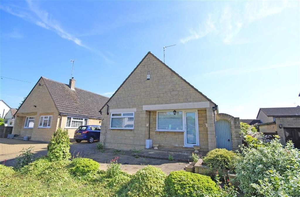 3 Bedrooms Detached Bungalow for sale in Station Road, Bishops Cleeve, Cheltenham, GL52