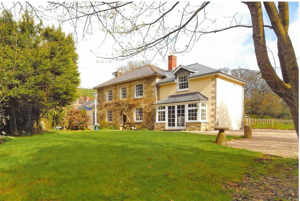 4 Bedrooms Detached House for sale in Grampound, Truro, Cornwall, TR2