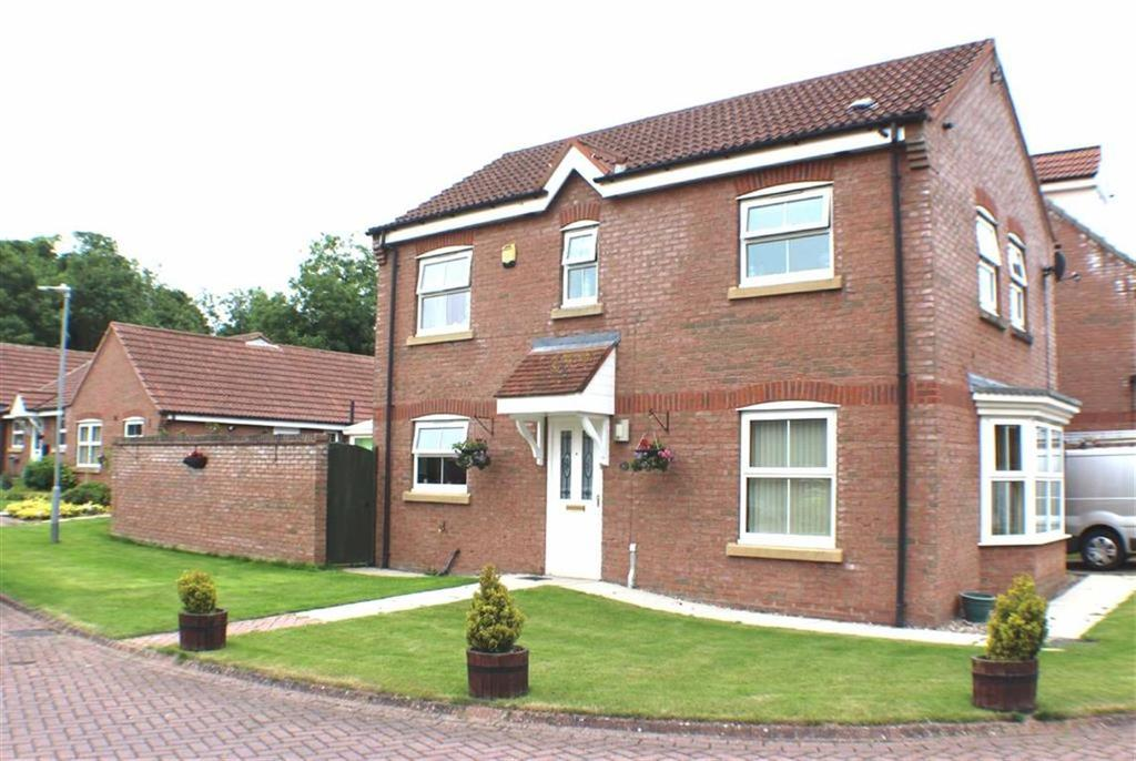 4 Bedrooms Detached House for sale in Willowdale Close, Bridlington, East Yorkshire