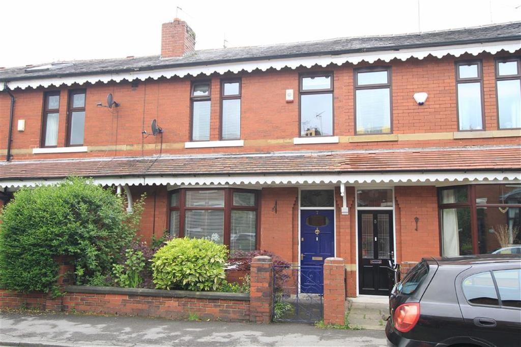 3 Bedrooms Terraced House for sale in 7, Woodgate Avenue, Bamford, Rochdale, OL11