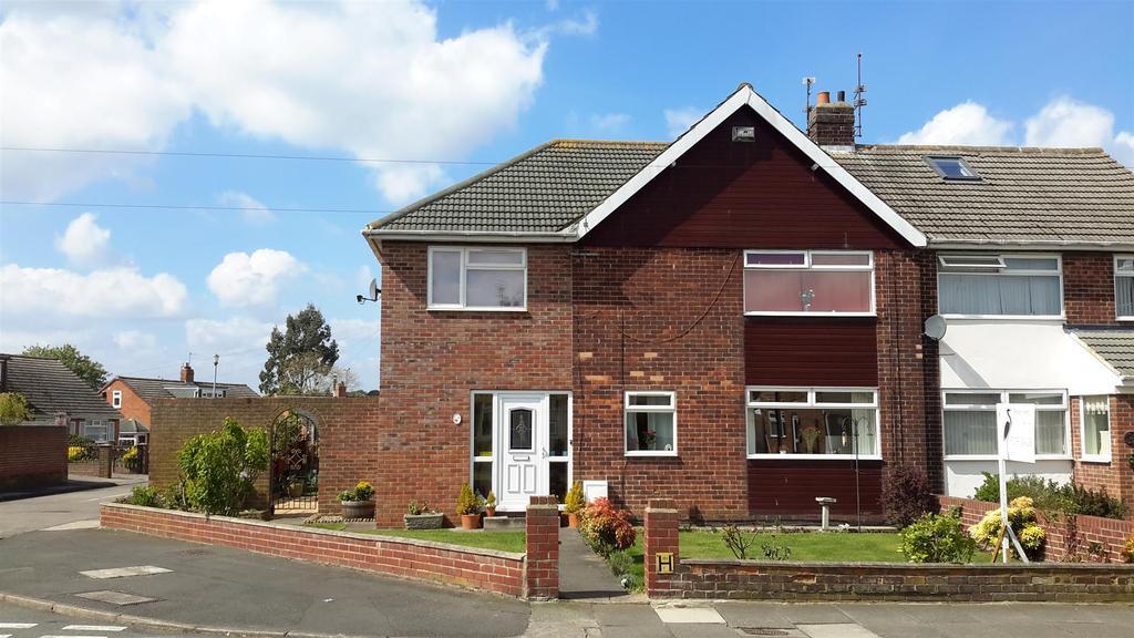 4 Bedrooms Semi Detached House for sale in Warwick Drive, East Herrington, Sunderland