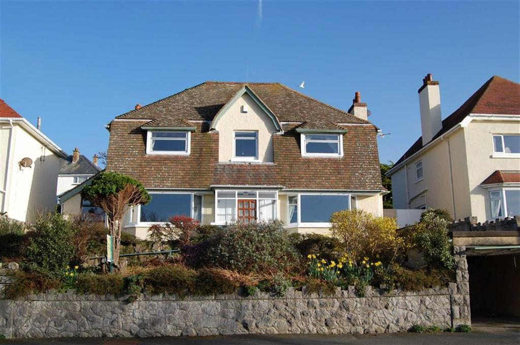 3 Bedrooms Detached House for sale in Maesdu Avenue, Llandudno, Conwy
