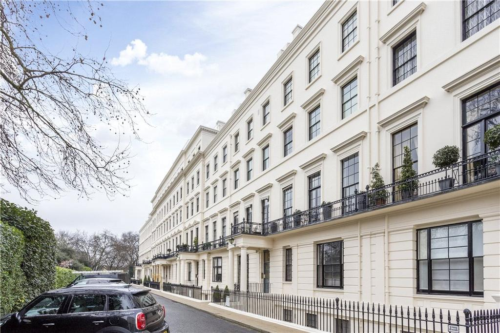 2 Bedrooms Flat for sale in Hyde Park Gardens, Hyde Park, London, W2