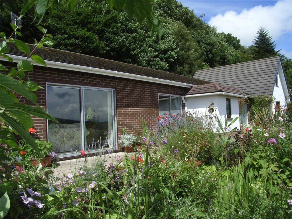 3 Bedrooms Detached House for sale in St Gedwyn's Well, Trefeglwys, Caersws, Powys, SY17