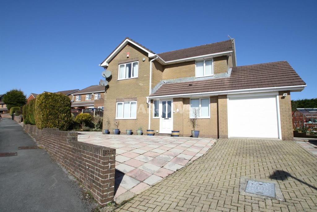 4 Bedrooms Detached House for sale in Blaen Cendl, Beaufort, Ebbw Vale