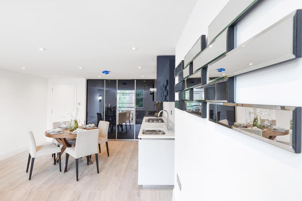 1 Bedroom Flat for sale in Castlebar Road, Ealing