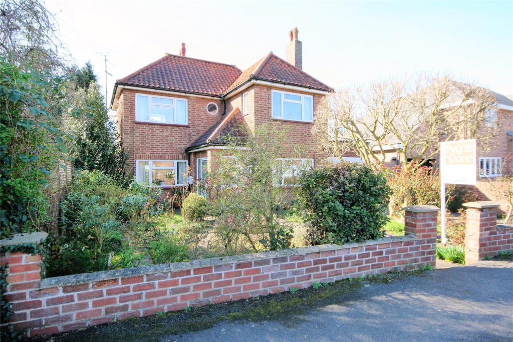 3 Bedrooms Detached House for sale in Cley Hall Drive, Spalding, PE11