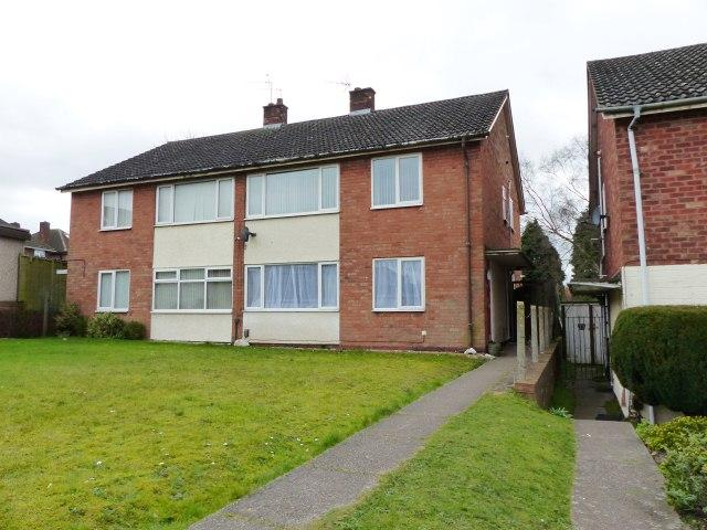 2 Bedrooms Maisonette Flat for sale in Hillside Close,Brownhills,Walsall