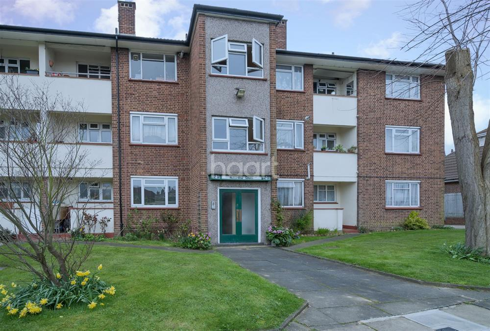 1 Bedroom Flat for sale in Hertford Court, Palmers Green, N13