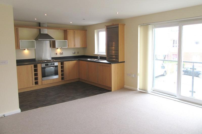 2 Bedrooms Flat for rent in Cwrt Afon Lliedi, Pentre Doc Y Gogledd , Llanelli, Carmarthenshire. SA15 2LZ