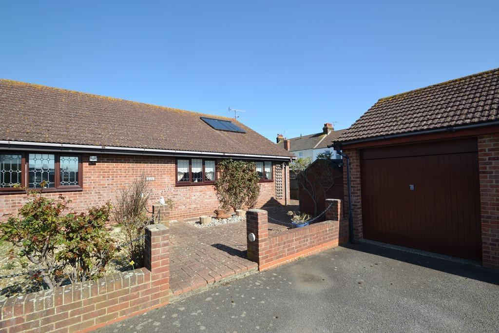 2 Bedrooms Semi Detached Bungalow for sale in Haynes Road, Tarring, BN14 7LA