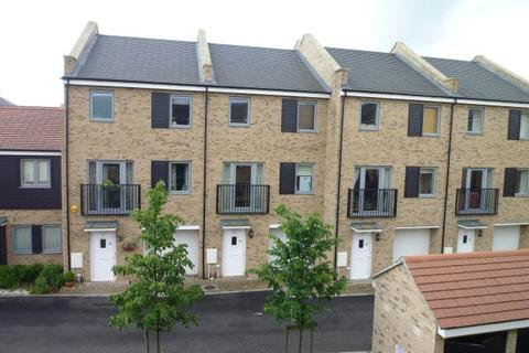 4 bedroom house to rent - Gladeside, Cambridge, Cambridgeshire
