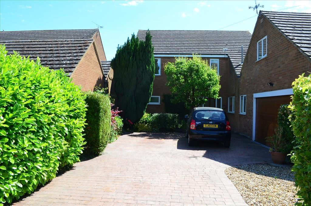 5 Bedrooms Detached House for sale in Bridge Street, WHADDON, SG8