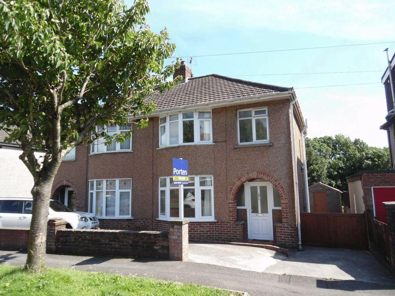 3 Bedrooms Semi Detached House for sale in Fairfield Road Bridgend CF31 3DU