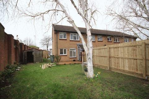 1 bedroom flat to rent - Tom Price Close, Cheltenham